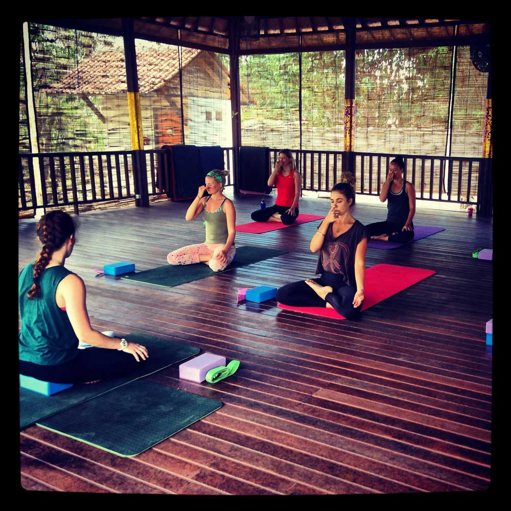 what to expect in your yoga class